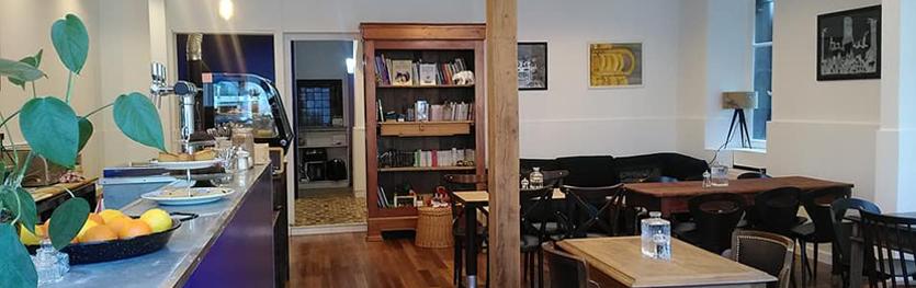 CAFÉ DES PANGOLINS - 17 Rue la Tour d'Auvergne, 44200 Nantes